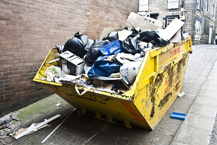 Skip Bins VS. Cheap Rubbish Removal in Sydney